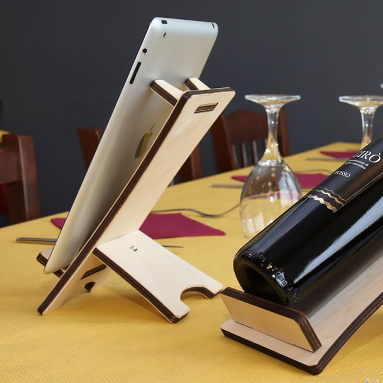 Porta telefono porta tablet da tavolo in legno semplice da personalizzare - Porta bandiere da tavolo ...